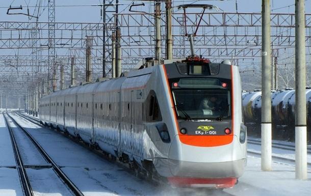 Поїзд Інтерсіті зламався під час шляху до Трускавця