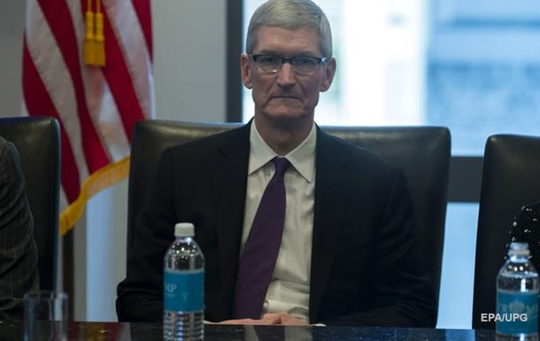 Apple урізала зарплату Тиму Куку - ЗМІ