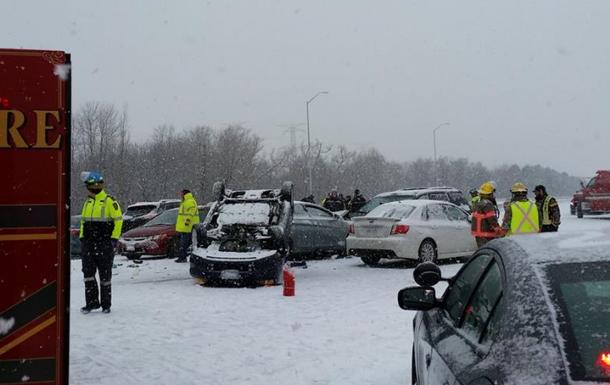 У Канаді понад 100 автомобілів зіткнулися через снігопад