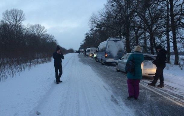 На Полтавщині ВАЗ зіткнувся з Merсedes, двоє загиблих