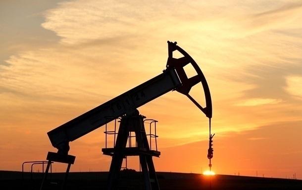 Цены на нефть начали неделю падением