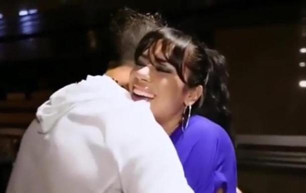 Дженніфер Лопес подарувала сестрі ... обійми Роналду