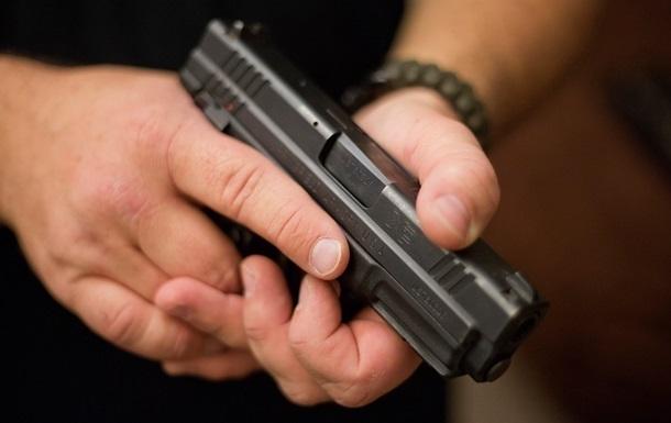 Раді запропонували розслідувати роздачу нагородної зброї в МВС