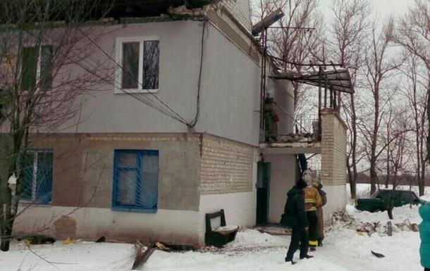 У Кам янському у двоповерховому будинку обвалився дах