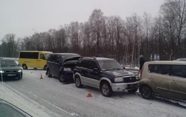 Девять украинцев погибли на дорогах из-за непогоды