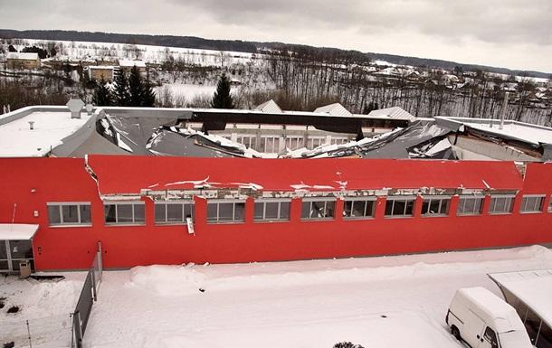 В Чехии обвалилась крыша спортзала, есть раненые