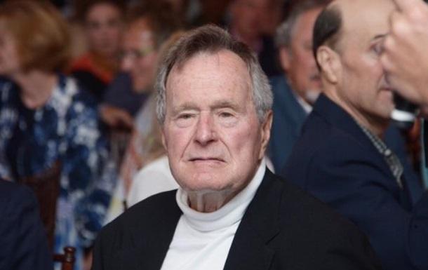 Буша-старшего перевели в реанимацию