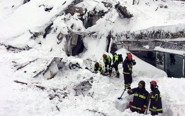 Кількість загиблих під лавиною в Італії зросла