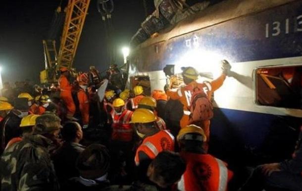 Аварія поїзда в Індії: кількість жертв зросла