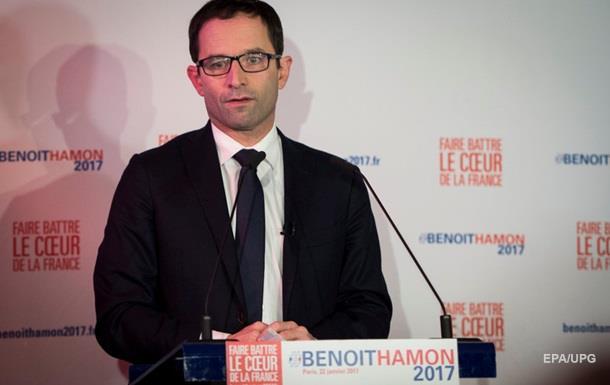 На праймеріз соціалістів у Франції лідирують Амон і Вальс