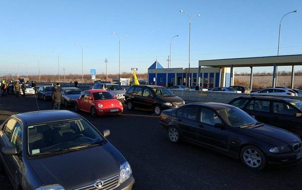 На в їздах до Києва 24 січня можуть блокувати транспорт