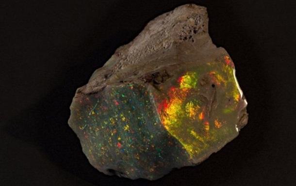 Музей Австралії виставив найчистіший необроблений опал