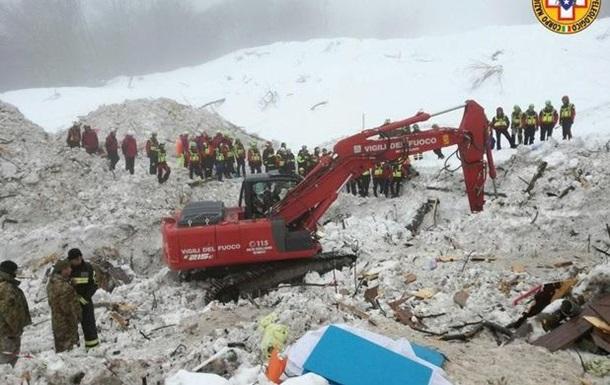 До 14 зросла кількість жертв сходження лавини на готель в Італії