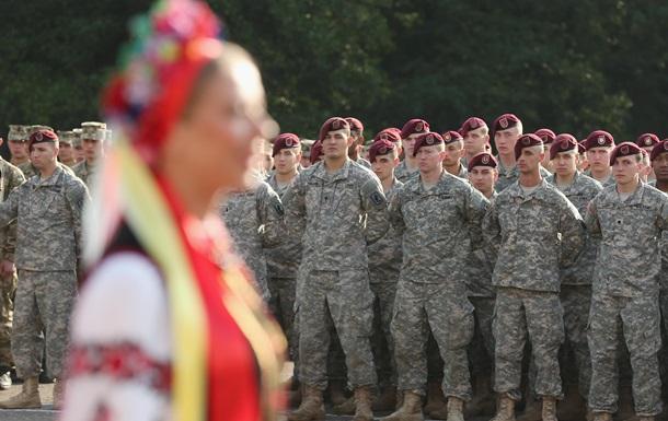 Порошенко схвалив допуск іноземних військ