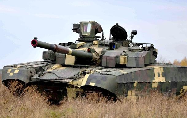 Порошенко: Потрібно поліпшити старі танки, а не будувати  Оплоти