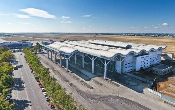 Аэропорт Одессы отвергает обвинения в недоливе топлива