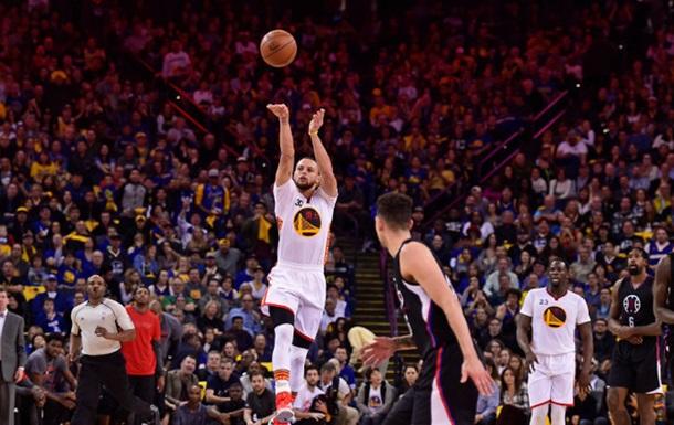 НБА. Попадание Карри со своей половины - лучший момент дня