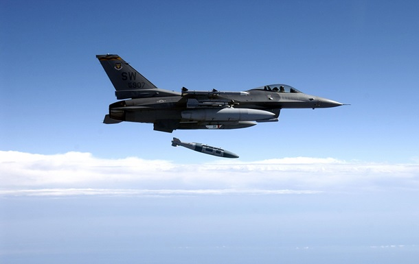 У США ракета з винищувача вбила людину