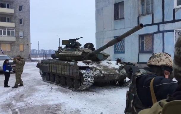 У житловій забудові Авдіївки помічені танки