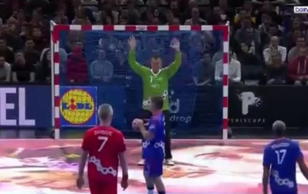 Відео ювелірного виконання семиметрового в гандболі