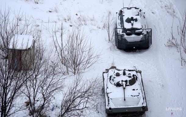 Доба в АТО: троє військових загинули, семеро поранені