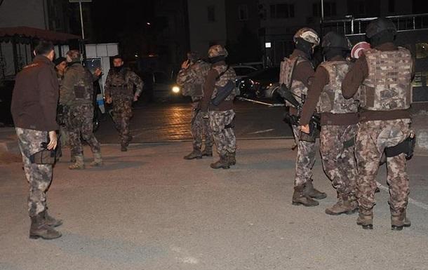 У Туреччині затримали понад 400 підозрюваних у зв язках із ІДІЛ