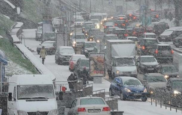 Пробки в Києві знизилися до восьми балів