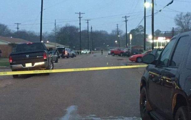 Стрілянина біля клубу в США: четверо загиблих