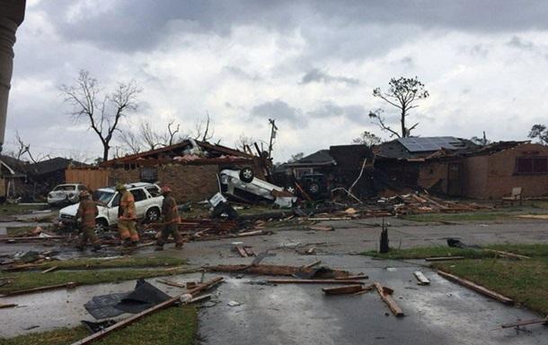 У Луїзіані оголосили режим НС через торнадо