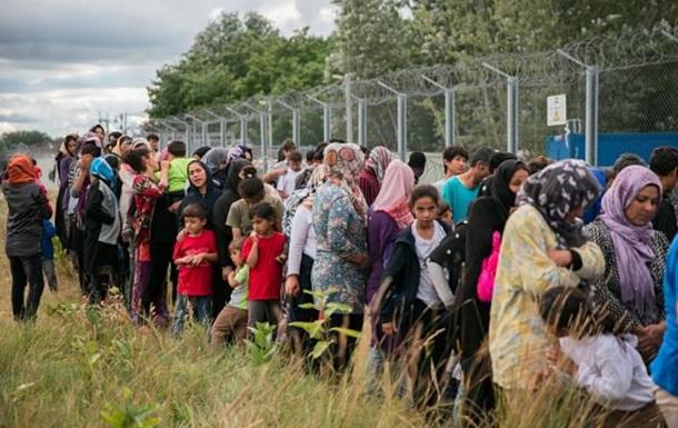 Австрія стягне війська на кордон ЄС через мігрантів