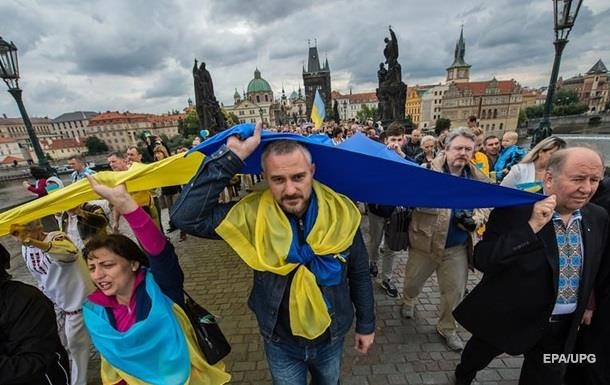 Чехия увеличила квоту для рабочих из Украины