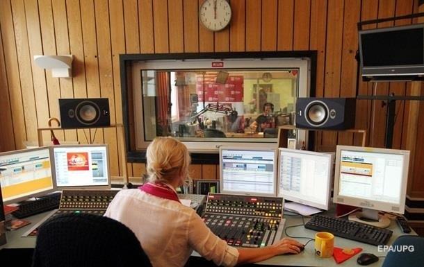 ТБ і радіо покарали на півмільйона за мову ефіру