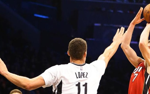 НБА: Финикс без Леня обыграл Чикаго, победа Майами
