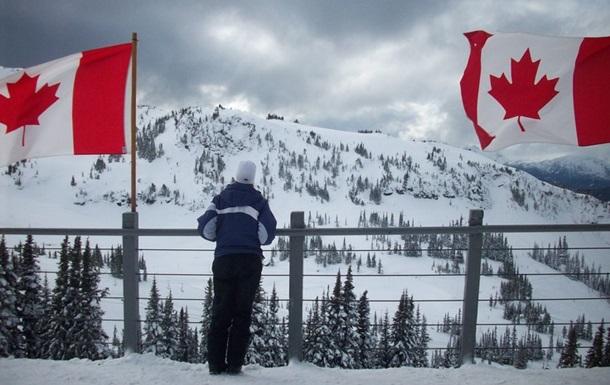 Пішки по снігу: мігранти зі США тікають у Канаду