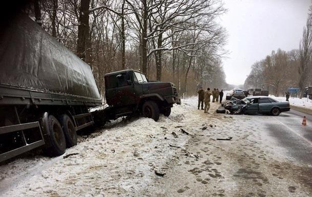 За добу на дорогах в ДТП загинули четверо українців
