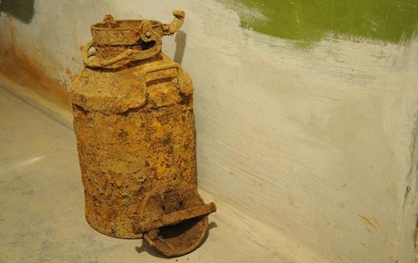На Тернопільщині знайшли схованку з документами ОУН
