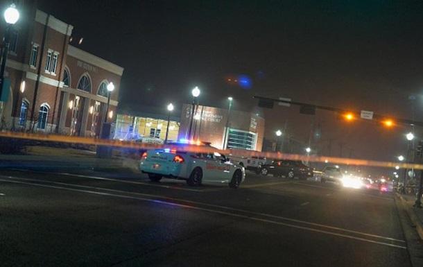Перестрілка в нічному клубі в США: є жертви