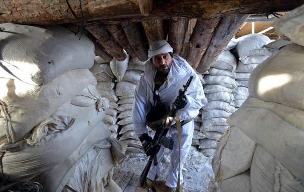 Доба в АТО: один військовий загинув, троє поранені