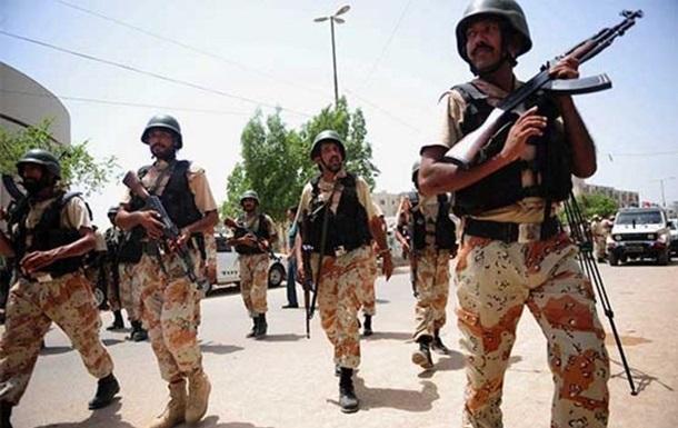 У Пакистані знищили десятки бойовиків після кривавого теракту
