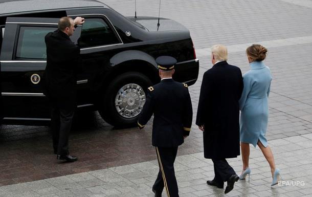 У США кидали каменем у машину Трампа