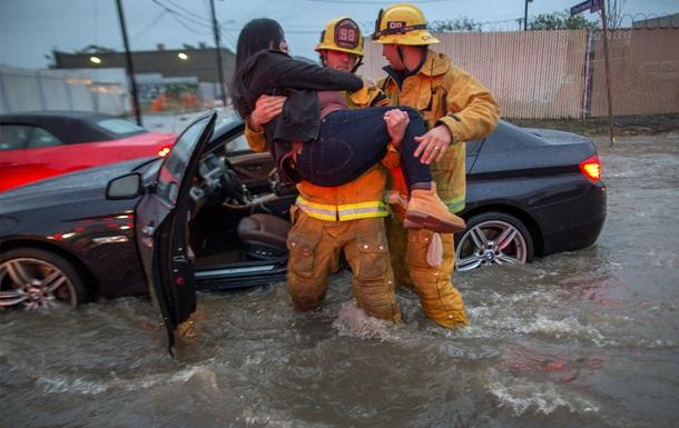 Каліфорнію накрив сильний шторм
