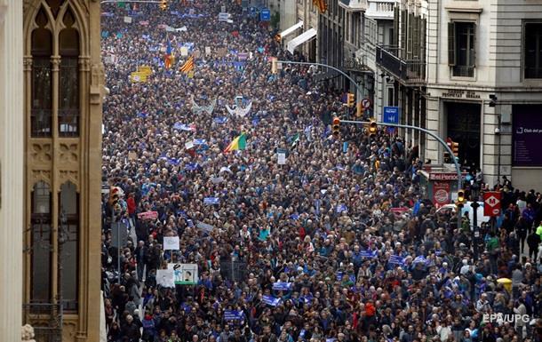 Сотні тисяч іспанців вийшли на підтримку мігрантів