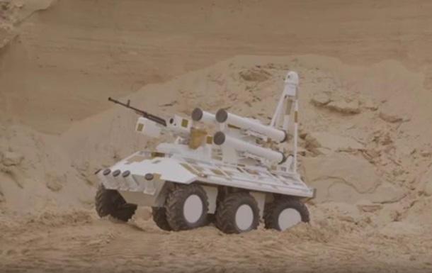 Украина представила в ОАЭ беспилотный БТР Фантом