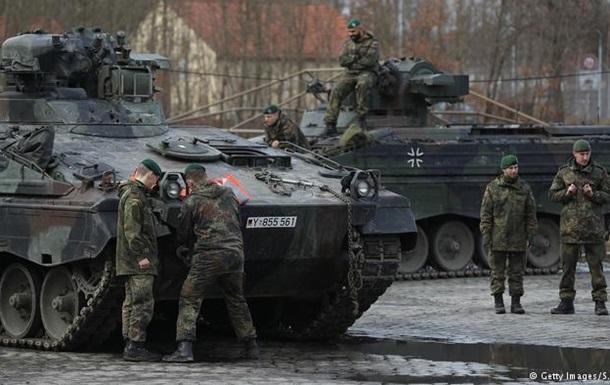 Німеччина відправила до Литви танки і БМП