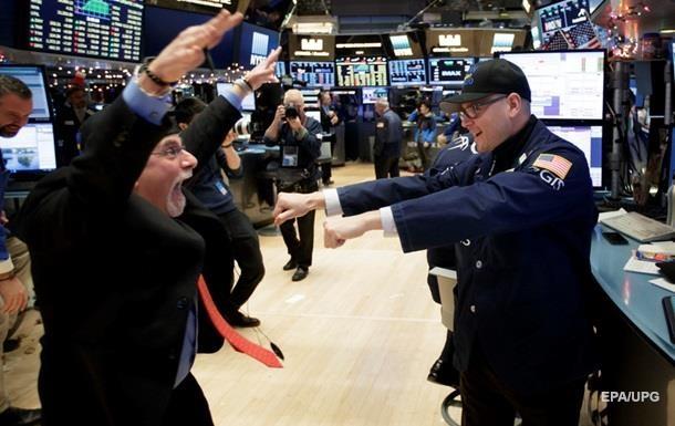 Торги на биржах США закрылись максимальным ростом