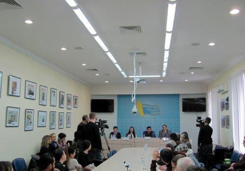 Луценко, Сытника и Грицака призвали взять дело о захвате МАЭМ на личный контроль