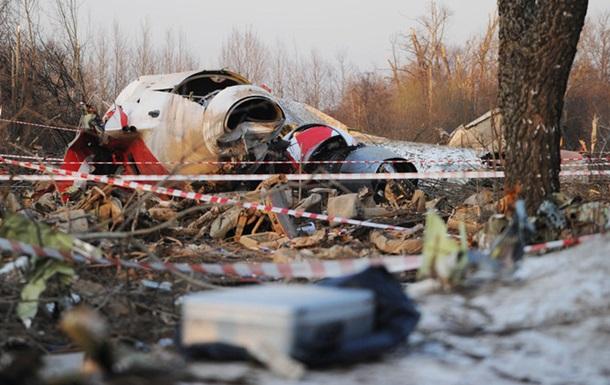 Катастрофа в Смоленську: сліди вибухівки на літаку перевірять ескперти