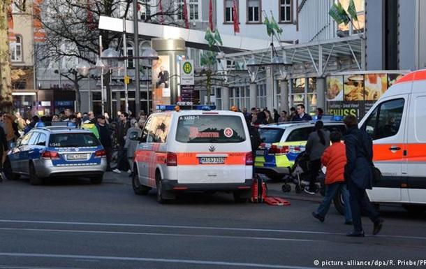 У Німеччині автомобіль в їхав у натовп перехожих