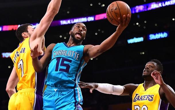 НБА: Голден Стэйт уступил Вашингтону, Денвер разгромил Чикаго