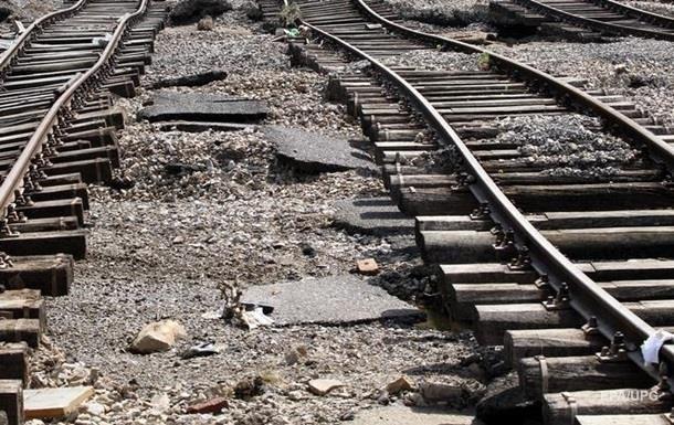 На Ровенщине копатели янтаря повредили железную дорогу